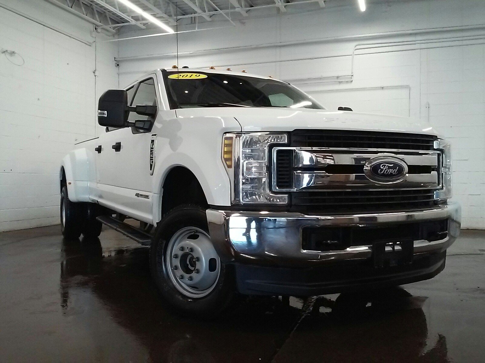 Pre-Owned 2019 Ford F-350 XL