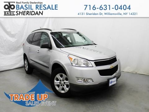 Pre-Owned 2010 Chevrolet Traverse LS